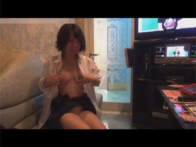 【JKオナ見adaruto動画】あどけない女子校生とカラオケに行きプチ援交…軽く微乳おっぱいを触りオナニー撮影に成功!