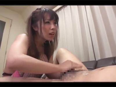 【男の潮吹きadaruto動画】スレンダー美女の「かさいあみ」が男の潮吹きをさせるテクニックをレクチャーしてくれる!