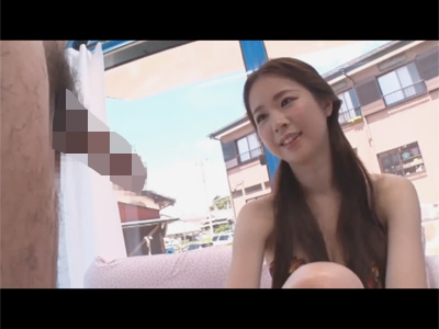 【adaruto動画】ビーチで遊んでいた巨乳美女をMM号に招待して童貞君に筆おろしをしてもらっちゃう!