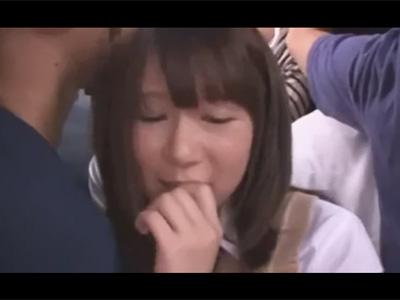 【adaruto動画】巨乳美少女JKが集団痴漢をされてしまいザーメンまみれにされながらセックスをさせられてしまう!